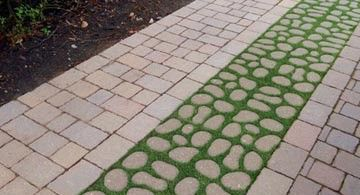 Bioverse Modules - Permeable driveway of cobblestones, grass and brick pavers