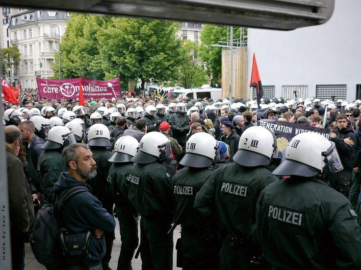 Heilbronn – Der Hamburger Landeschef des Bunds Deutscher Kriminalbeamter (BDK), Jan Reinecke, fürchtet vor dem Gipfeltreffen der G20-Staaten (7. und 8. Juli) eine weitere Mobilisierung in der gewaltbereiten linken Szene. Er sagte weiter lesen