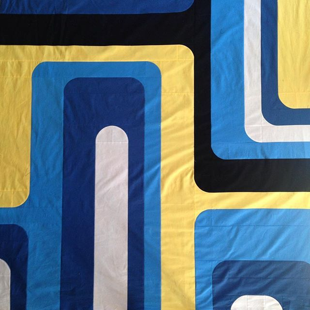 Groove quilt top done. #modernquilts #curves