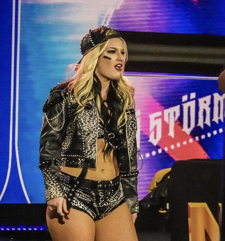 Toni Storm in 2020 | Fashion, Storm, Style