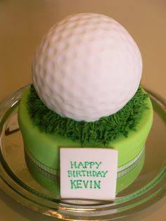 Now THAT'S a golf ball cake! ; )