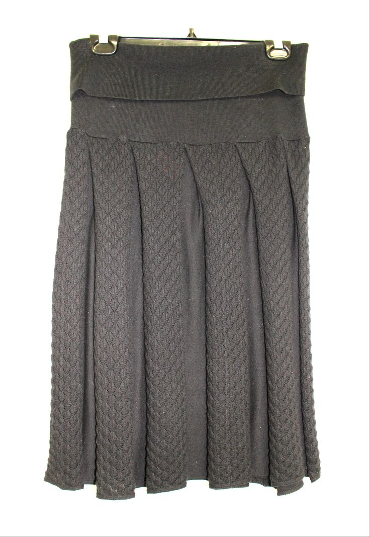Love this skirt. Feels and looks cozy! Pair it with a bright top and ditch the everyday skinnies.