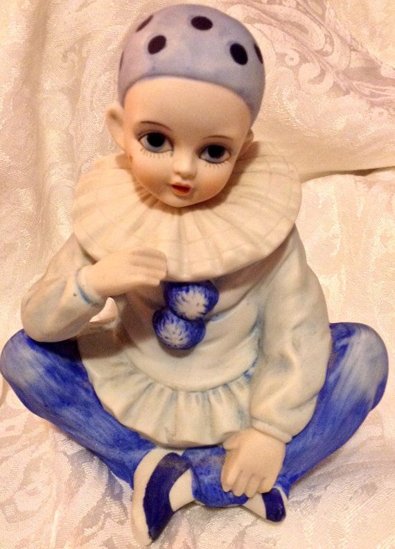 VINTAGE Mann Music Figurine, A Pierrot CLOWN RARE Blue 1979 Version Plays the renowned and beloved tune SEND IN THE CLOWNS.  Size and Such