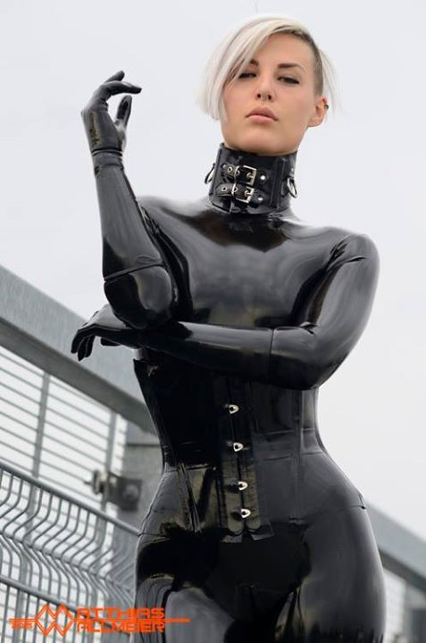 Babes in rubber movies — photo 2