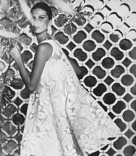 Vogue, January 1965January 1965, Fashion Shoes, Vogue Fashion, Fashion Models, Fashion Art, Timeless Style, Fashion Magazines, Floral Fashion, Lace Dresses