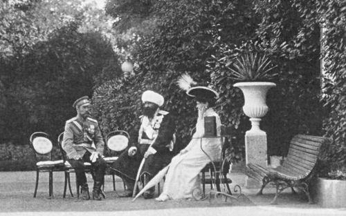 Emperor Nicholas II and Empress Alexandra Feodorovna talking to the Emir of Bukhara. Livadia. 1909