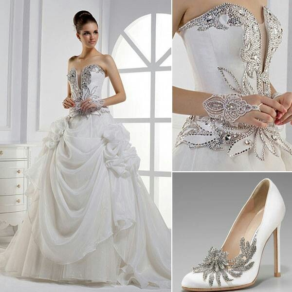 Beautiful princess style wedding dress wedding things for Princess cut wedding dresses