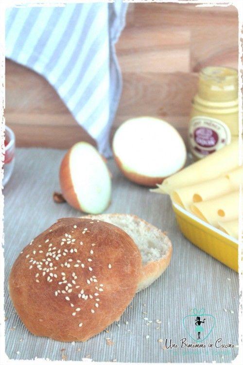 I burger buns..panini fatti in casa,sono l'ideale per una cenetta molto Made in America...super gustosi sono ottimi con qualsiasi farcitura.