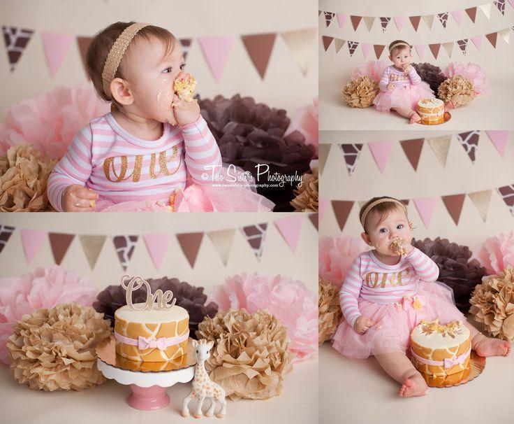 Sophie le giraffe cake smash session. Sophie the giraffe. Pink and gold cake smash session. First birthday cake smash.   Two Sisters Photography, Bonney Lake, WA