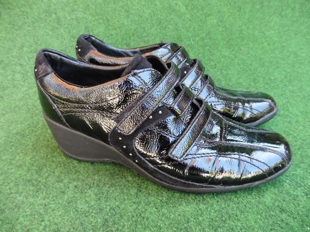 SIZE UK 4 STONEFLY BLACK PATENT WEDGES W/ VELCRO FASTENING CASUAL TRAINER SHOES