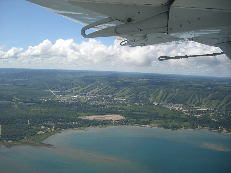 Collingwood, Ontario: Blue Mountains for skiing and Georgian Bay for boating