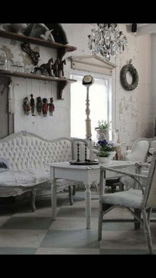 find this pin and more on deco shabby charme de loulou with dcoration gustavienne charme. Black Bedroom Furniture Sets. Home Design Ideas