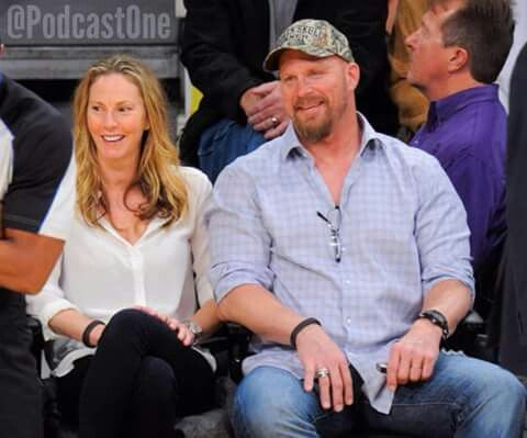 stone cold steve austin amp his wife stone cold steve