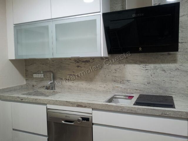 Encimera en granito warwick de naturamia encimeras de - Encimeras de cocina de granito ...