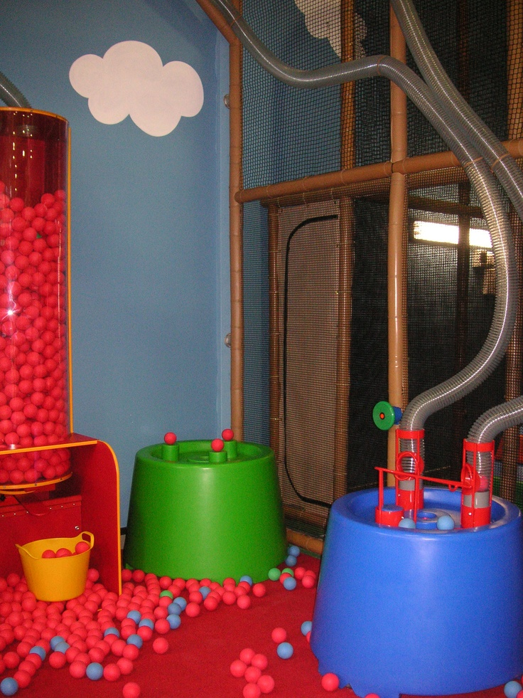 George Spaceship PlayZone at Peppa Pig in Paulton's Park in the UK - indoor soft play Space themed Indoor Playground, Recycle Centre and catch the soft balls exploding from the ball volcano, Toddler Picnic Area is especially designed for the little ones.  Manufactured and installed by International Play Company  #indoor #playground #softplay #Playzone #Iplayco #PeppaPig #PaultonPark