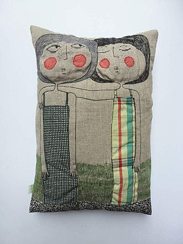 coussin Zut!: love it, combination doll and pillow