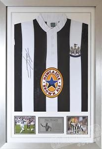 Excellent Newcastle Utd football shirt personally signed by Alan Shearer. He is widely regarded as one of England s best strikers, being both Newcastle s and the Premier League s record goal scorer.