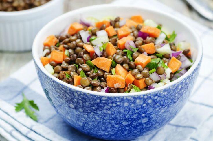 Düşük karbonhidrat, yüksek protein, on numara beş yıldız bir lezzet... Hepsi havuçlu mercimek salatası tarifinin içinde saklı.