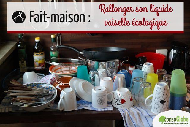 Rallonger son liquide vaisselle : pour 1 flacon : 1 cs bombée de bicarbonate + 2 cs de vinaigre blanc + 1/5 de liquide vaisselle + compléter avec de l'eau et des HE