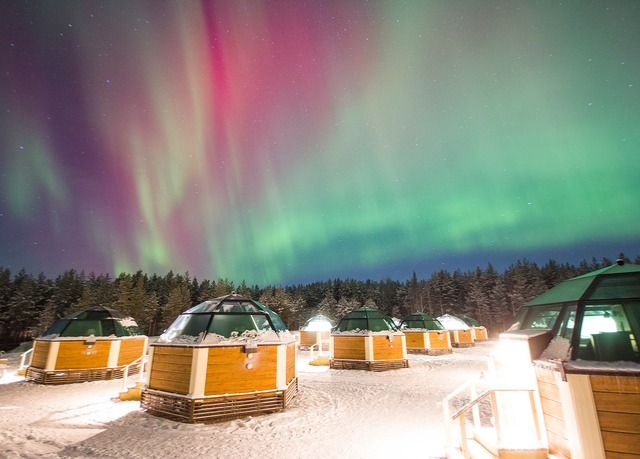 Wintermärchen in Lappland & optionaler Helsinki-Trip – inkl. Flügen, Frühstück, Glasiglu-Übernachtung, Polarkreis-Überquerung, Rentier-Schlittenfahrt & vielen weiteren Extras