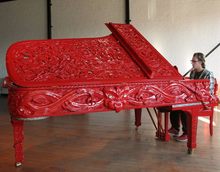 Here you can see the Maori warrior and the ornateness of the carving. It is truly stunning. I just wish they'd let me play it.  Michael Parekowhai - He Kōrero Pūrākau mo Te Awanui o Te Motu: Story of a New Zealand river (2011)