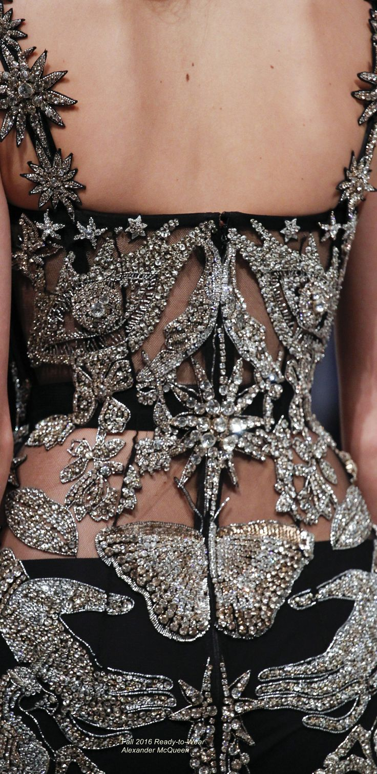 Fall 2016 Ready-to-Wear Alexander McQueen
