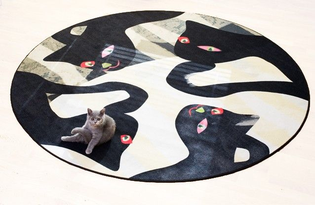Camilla eltell Form has designed this amazing carpet with a cat print, it's called Cat duo. #nordicdesigncollective #katt #katten #cat #thecat #cuttingboard #animal #meow #kitten #pet #fur #cosy #camilaleltell #creative #creativecarpets #catduo #carpet #mat #rug #fabric #round #circle