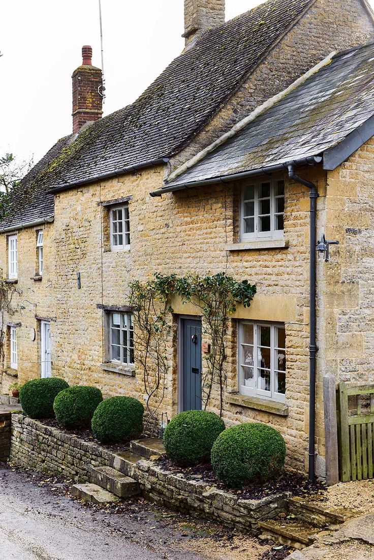 Top 25 ideas about english cottage exterior on pinterest for Castle and cottage home collection