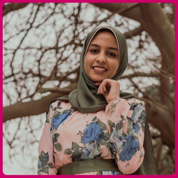 Fashion Designer Salary In Karachi In 2020 Fashion Fashion Designer Salary High Fashion Makeup