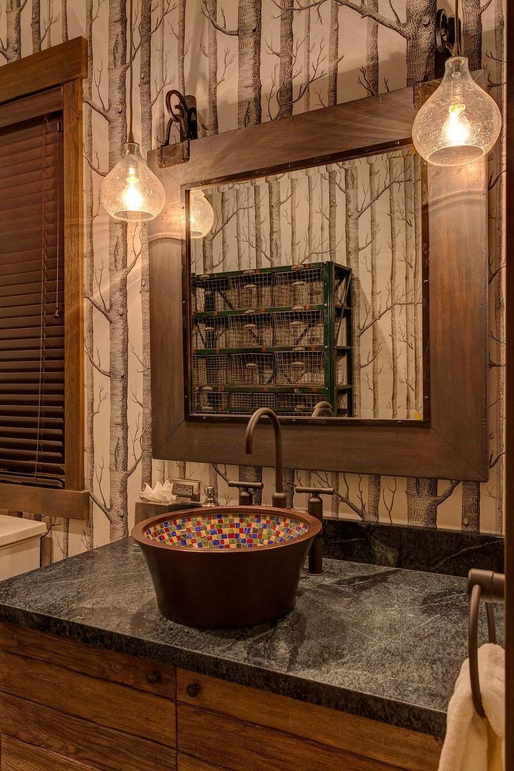 Beautiful rustic cabin bathroom! Love the walls!