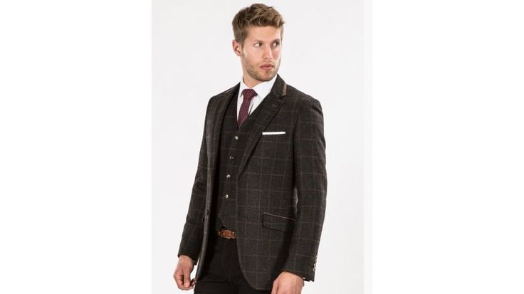 Brown Checked Tweed Look Tailored Fit Blazer - Dress trendy and stylish in this great quality brown checked tweed look blazer from the Broadstone Bros collection.    30% wool, 70% others  Tailored fit  Tweed look