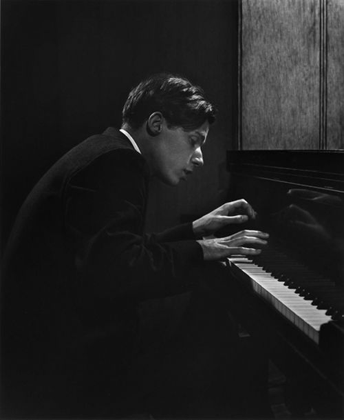 Glenn Gould (photo by Yousuf Karsh, 1957)