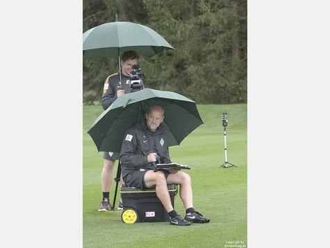 Bis auf Petersen alle wieder an Bord - Werder Bremen - Sport - Kreiszeitung. 8/12