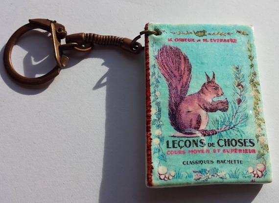 Porte-clefs artisanal manuel scolaire vintage