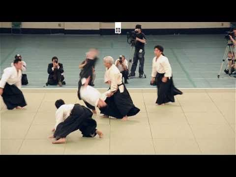 Ueshiba Moriteru Doshu - Great Aikido Demonstration - 植芝守央道主 - 合気道 - [HD]  Ideas Desarrollo Personal para www.masymejor.com
