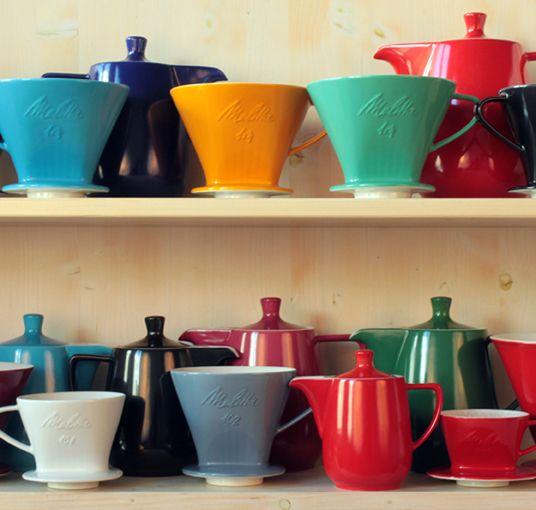 Original Melitta Porzellan Kaffee Filter made in Germany by Friesland Porzellan, seit 1954 unverändert auch die Kannen! Jetzt in 11 Farben für Pour Over coffee