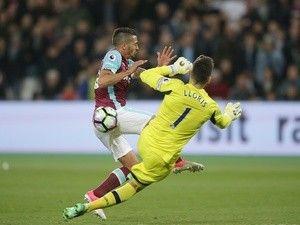 Report: Chelsea eye Manuel Lanzini