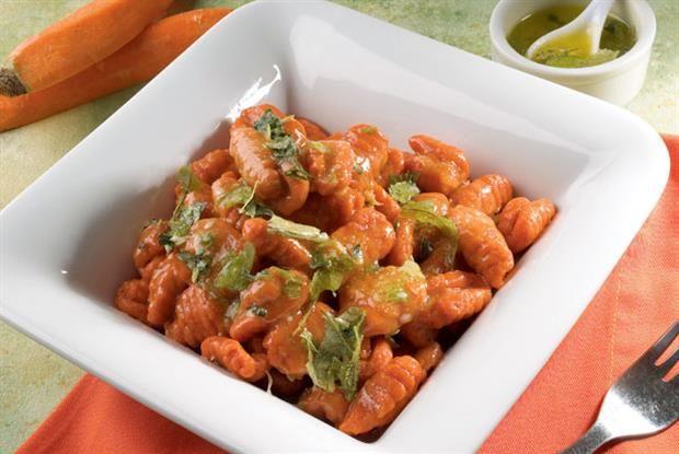 Ñoquis de zanahoría con salvia  Ñoquis a la manteca de salvia.         Foto:Alfredo Willimburgh