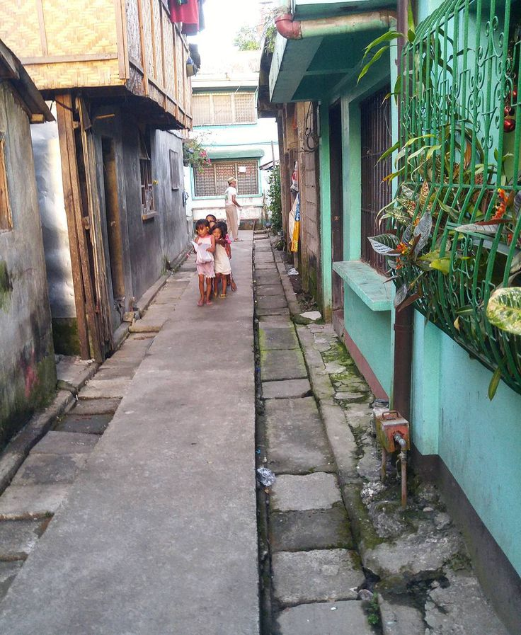 My little street for the month ���� . #philippines #travel #volunteer #makeadifference #bliss #tacloban #sunny #life http://tipsrazzi.com/ipost/1509192515743731462/?code=BTxupjWlU8G
