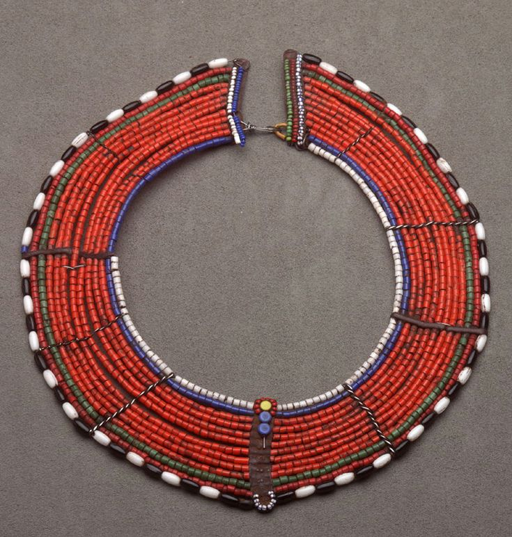 Africa | Collar necklace from the Maasai people of Kenya | Beads and wire