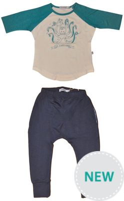 Well cut baseball tee with 3/4 sleeves. Super soft, and very comfortable luxury blend fabric. Against 'throw away fashion', doodlebug tees are designed to last.  The long slim cut, with a touch of lycra ensures your t-shirt will fit your child for several years. 95% Bamboo 5% Lycra, high quality weight