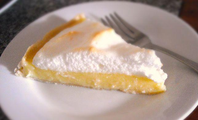 Lemon Meringue Pie | The Little Bakery in Santiago: British Treats to Your Door | www.BayEssence.com