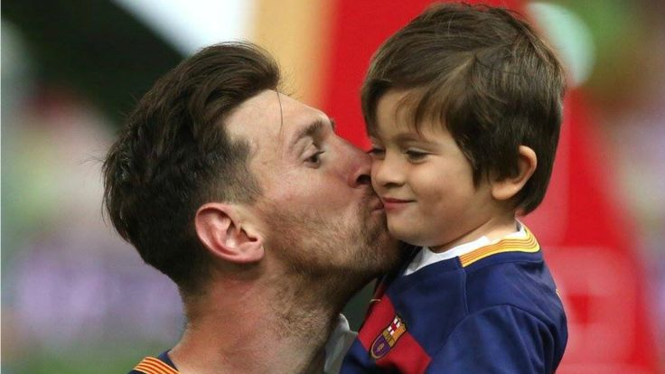 Thiago Messi, Lionel Messi's oldest son is falling in love with football. #ThiagoMessi #Messi #LionelMessi #Messifamily #soccerplayers #futbol #soccer