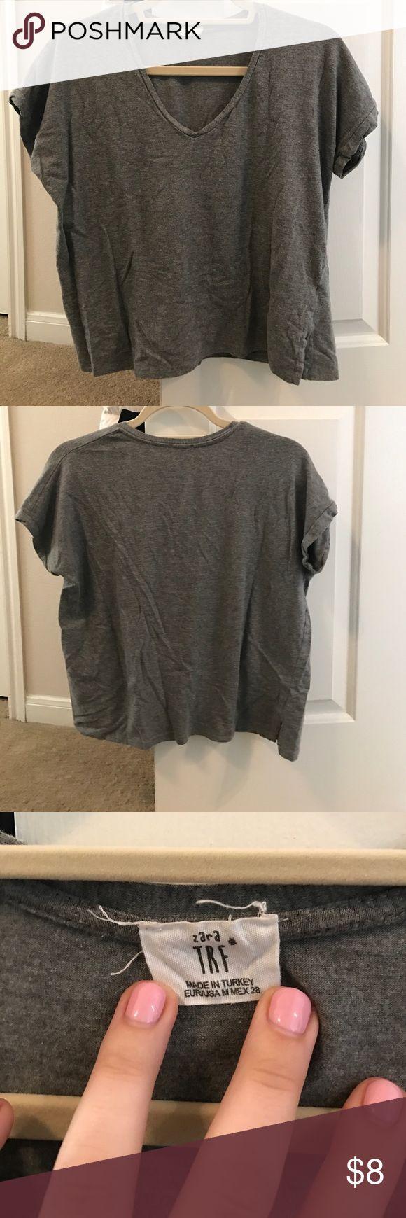 Zara tshirt Cute Zara tshirt. Worn a few times. Size medium but can also fit a small Zara Tops Tees - Short Sleeve