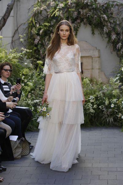 Vestidos de novia cuello cisne 2017: Déjate seducir por su elegancia en tu gran día Image: 1