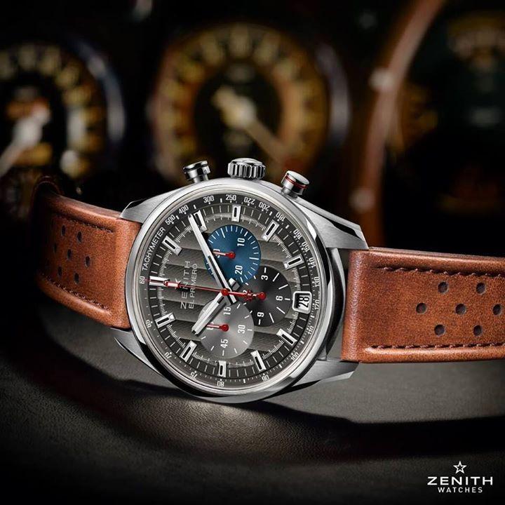 Zenith Watches El Primero Classic Cars Luce una carátula antracita llena de deportividad y espíritu vintage.  Y está animado por el emblemático calibre El Primero, que vibra a 36 mil alternancias por hora.  #WatchesWorld, los relojes de tu vida.