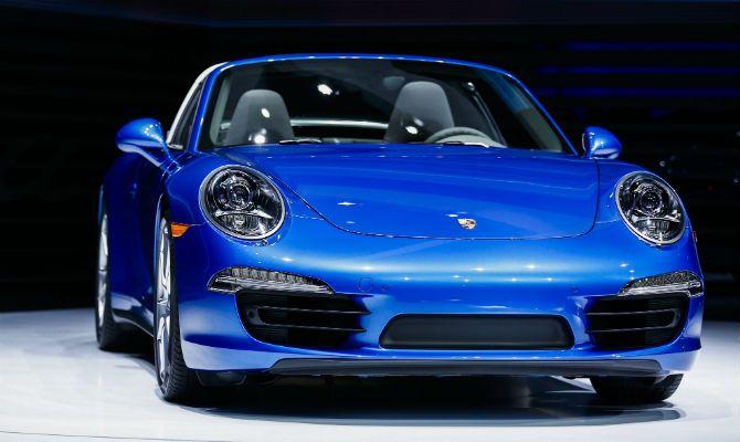 Porsche 911 Targa está de volta. Após 20 anos, marca alemã apresenta em Detroit a nova versão do tradicional modelo http://oesta.do/KgMOT6