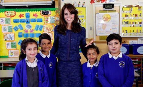 Herttuatar Catherine kampanjoi videolla lasten mielenterveysongelmien havaitsemiseksi