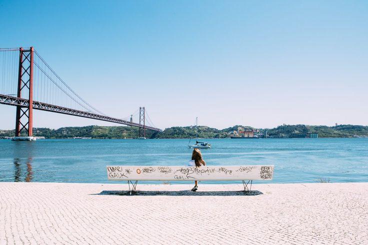 Lissabon, die Schöne am Tejo. In der portugiesischen Hauptstadt erwarten Sie prächtige Klöster, beeindruckende Aussichten und verträumte Plätze. Nicht ohne Grund verzeichnet Lissabon seit Jahren wa…