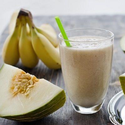 Smoothie mit Banane und Melone